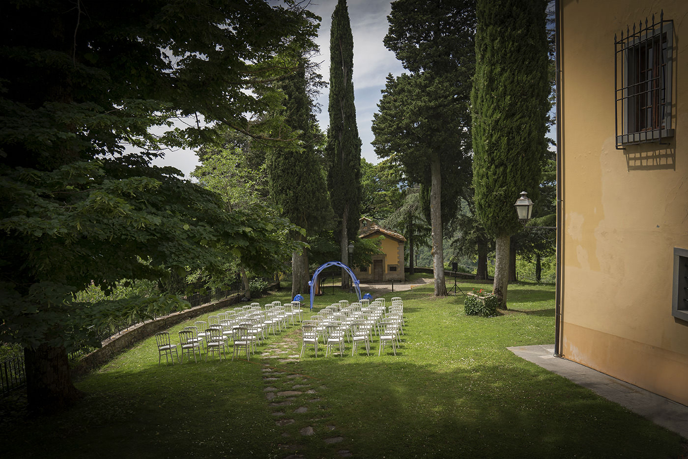 Duccio Argentini: Same-Sex Wedding Photographer. Outdoor ceremony in Florence