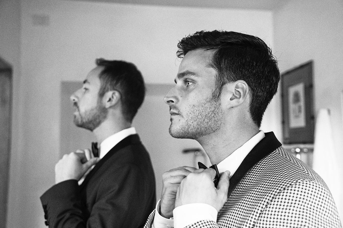 Duccio Argentini: Same-Sex Wedding Photographer. Getting ready in tuscan villa