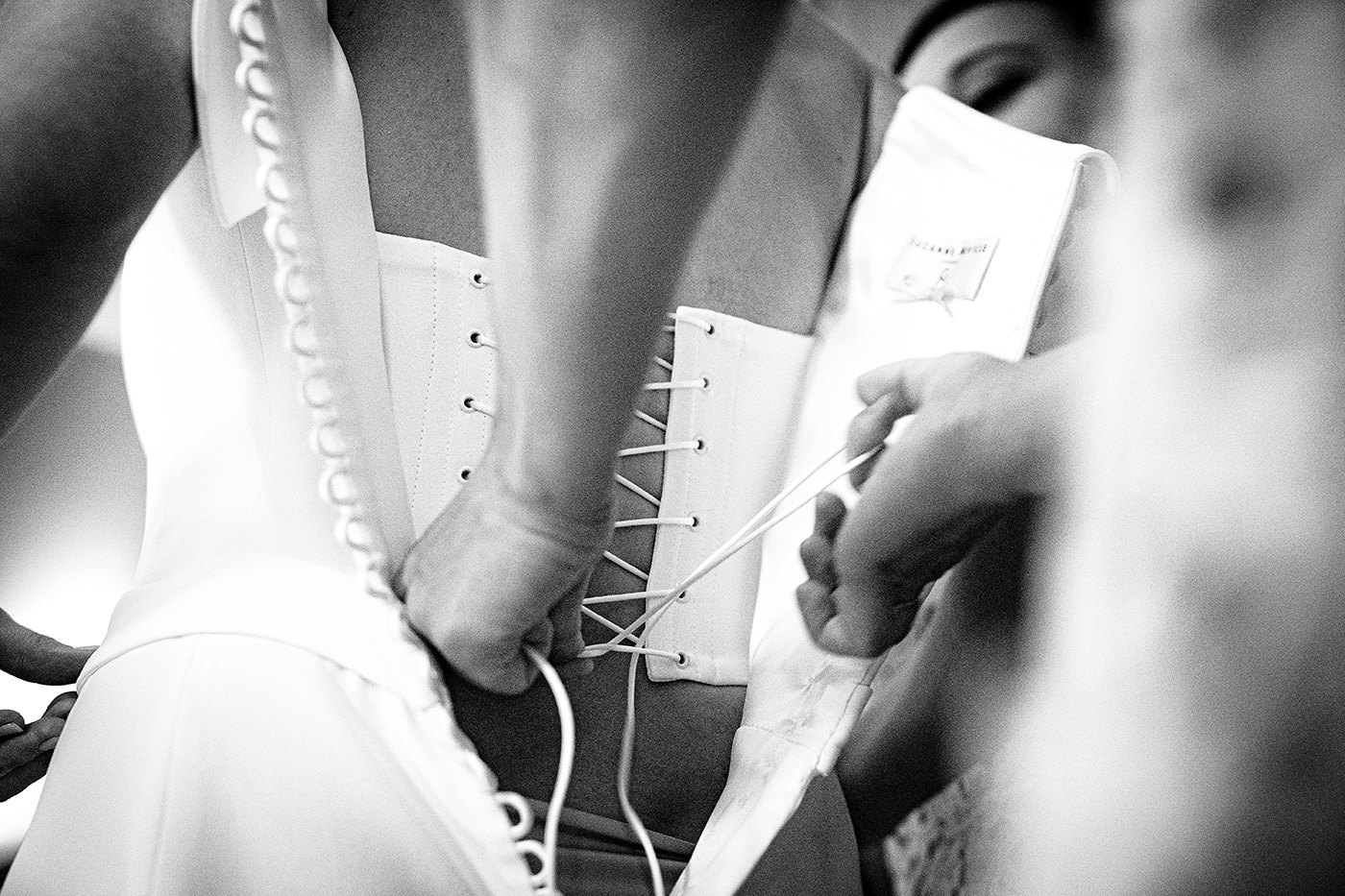 Tuscan Wedding Photo Shoots At Palagio Castle: the end of the getting ready