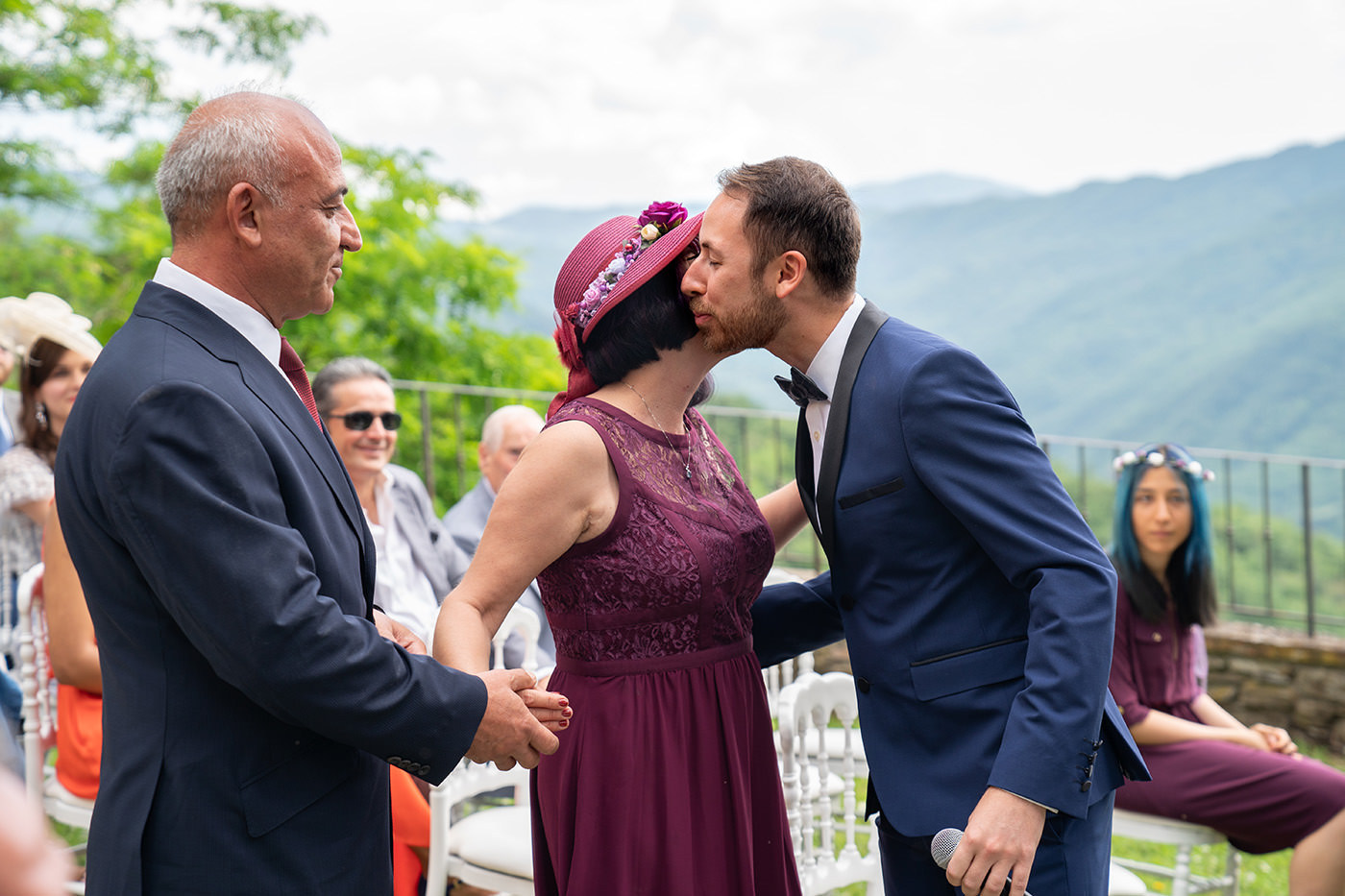 Same-Sex Wedding Photographer Florence: Timur & Guillaume. Groom kiss her mother