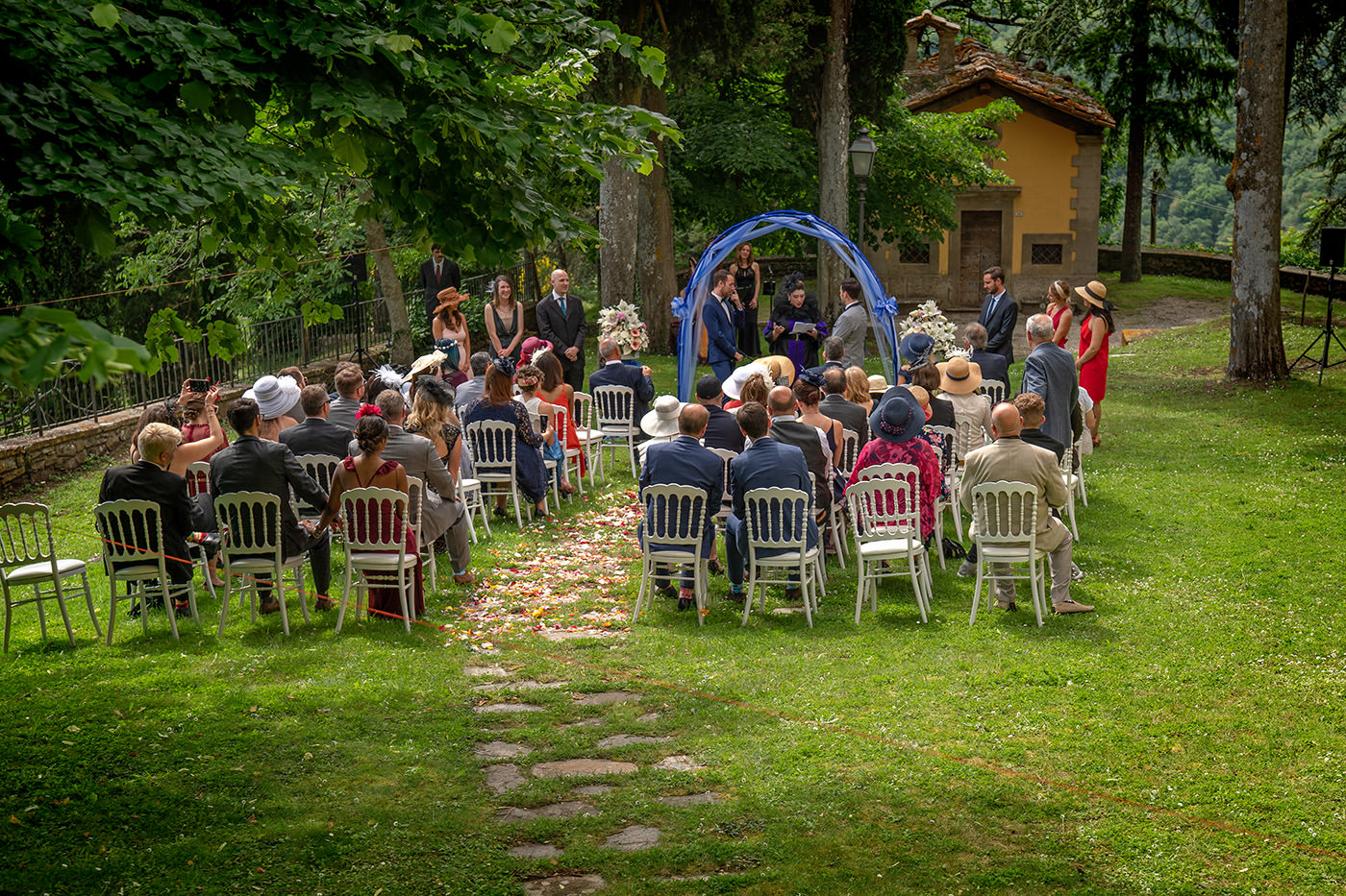 Same-Sex Wedding Photographer Florence: Timur & Guillaume. Outdoor ceremony in tuscany