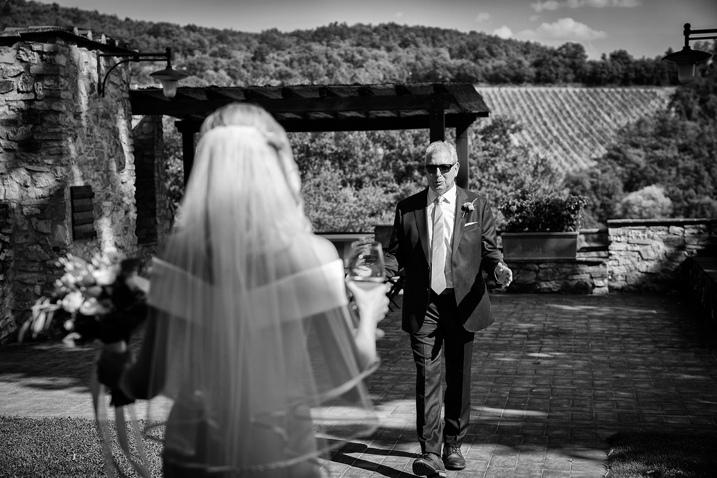 Duccio Argentini: Tuscan Wedding Photo Shoots At Palagio Castle. First look between bride with her father