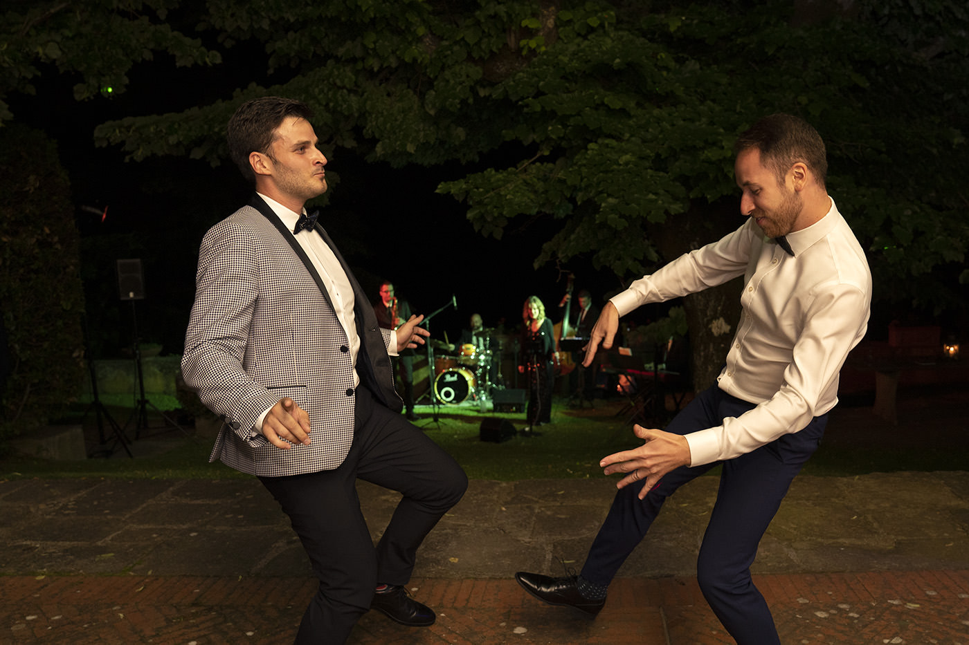 Duccio Argentini: Same-Sex Wedding Photographer. Couple dancing together
