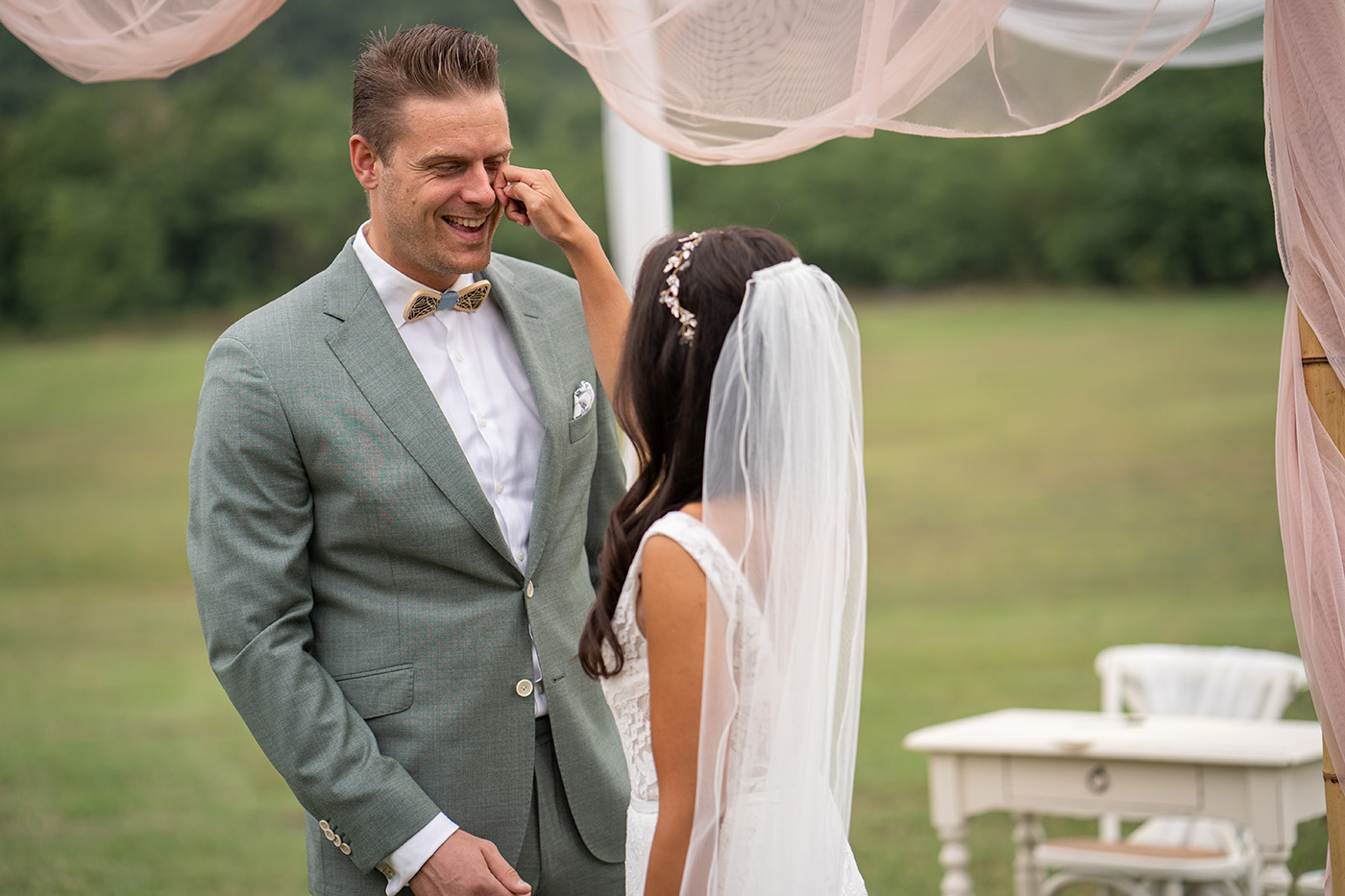 Eva and Erwin, celebrating  5th year of marriage: Vows Renewal Photographer in Tuscany